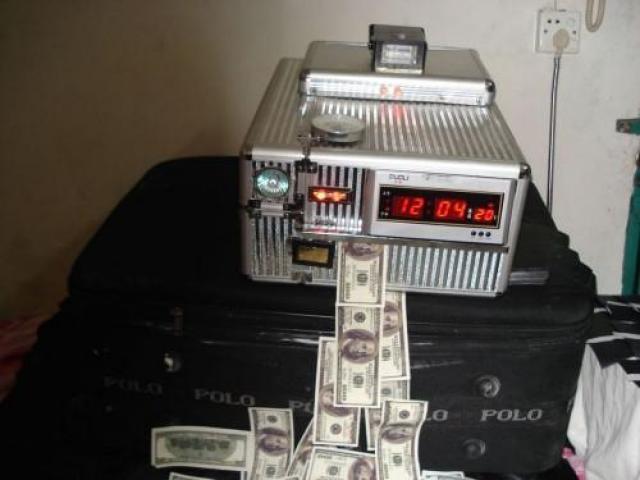 Foto: Mesin Otomatis Untuk Membersihkan Uang Hitam