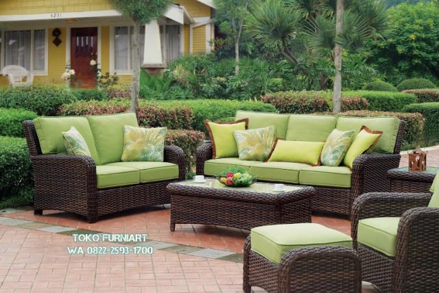 Foto: Sofa Outdoor Rotan Sintetis